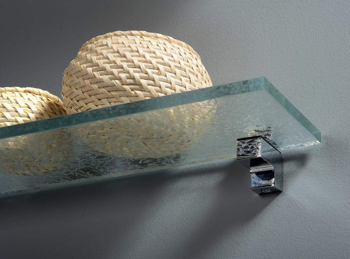 Glashylla på kort konsol
